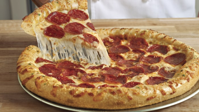 large pizza extra cheese extra norovirus View the nutrition for original crust, 5 meat supreme pizza (extra large 16), including calories, carbs, fat, protein, cholesterol, and more (peter piper pizza).