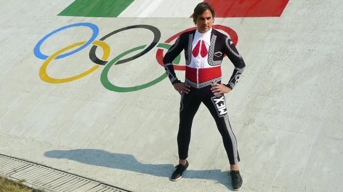 Hubertus Von Hohenlohe wearing his Mariachi speed suit.