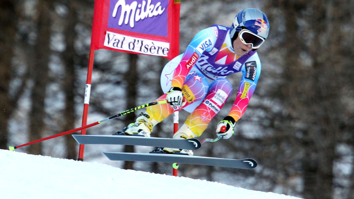 VAL D'ISERE, FRANCE - DECEMBER 21: (FRANCE OUT) Lindsey Vonn of the USA competes during the Audi FIS Alpine Ski World Cup Women's Downhill on December...