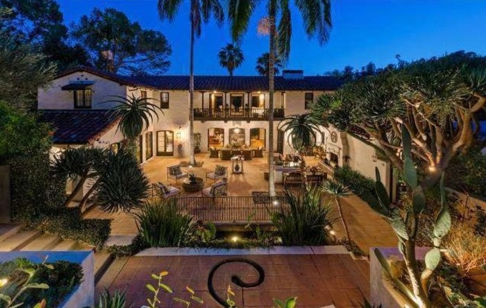 """Twilight"" star Robert Pattinson sold his Los Feliz home to Jim Parsons of ""The Big Bang Theory."""