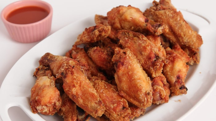 Laura Vitale crispy baked chicken wings