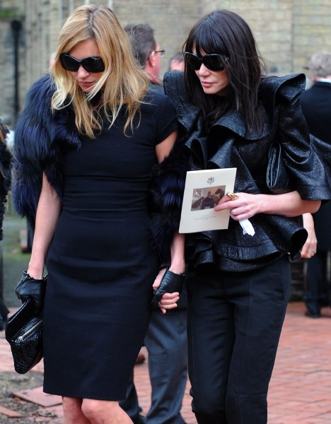 epa02054141 British model Kate Moss (L) leaves British designer Alexander McQueen's funeral held at St. Paul's Church, in London, Britain, 25 February...