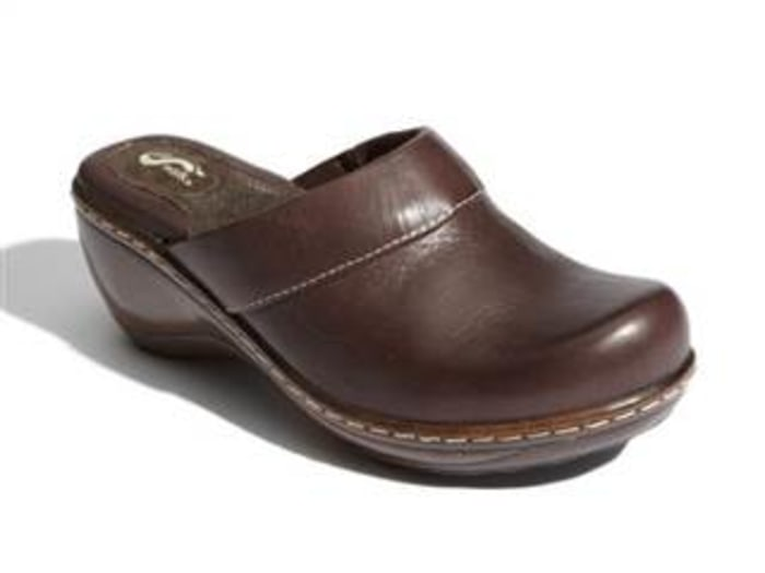 Comfortable shoes: Softwalk Murietta