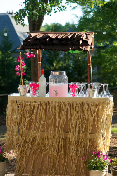 4 summer party ideas for a outdoor bash to remember for How to make luau decorations at home