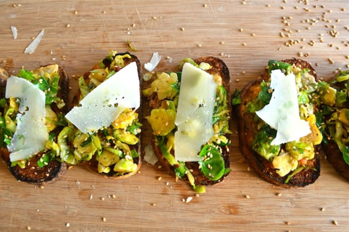 Sesame and brussels sprouts crostini