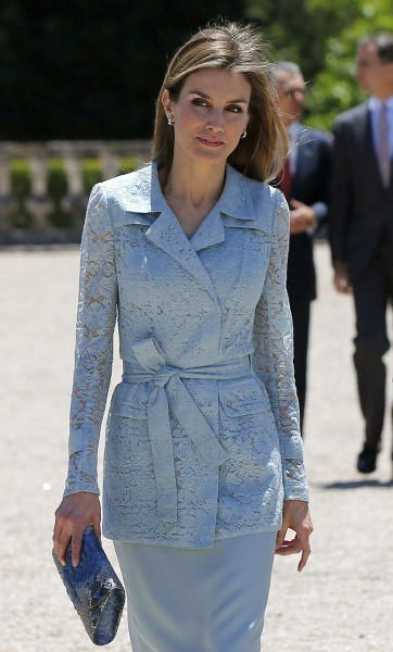 Queen Letizia S Monochromatic Style For Less Today Com