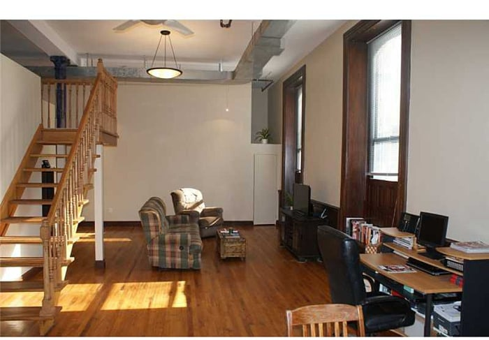 Loft apartment in former school in Pittburgh