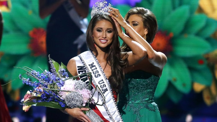 Miss Nevada Nia Sanchez is crowned Miss USA 2014 in Baton Rouge, Louisiana.