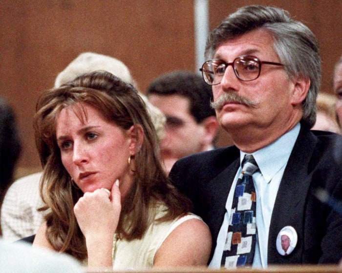 Kim Goldman and her dad, Fred Goldman, in court during Simpson's trial.