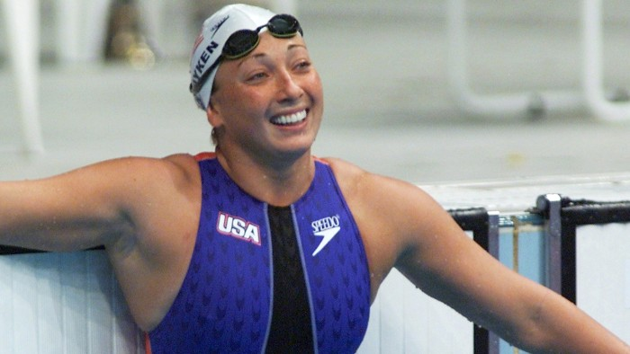 (FILES) In this file photo dated September 22, 2000 shows US swimmer Amy Van Dyken watching the time board after her 50m freestyle heat at Sydney Inte...
