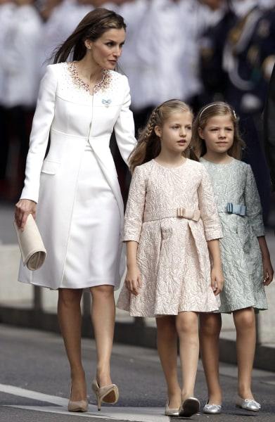 Image: Queen Letizia and Princesses Leonor and Sofia
