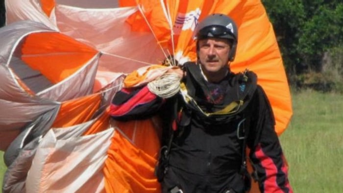 Skydiver Steve Frost said he'll jump again, despite the accident.