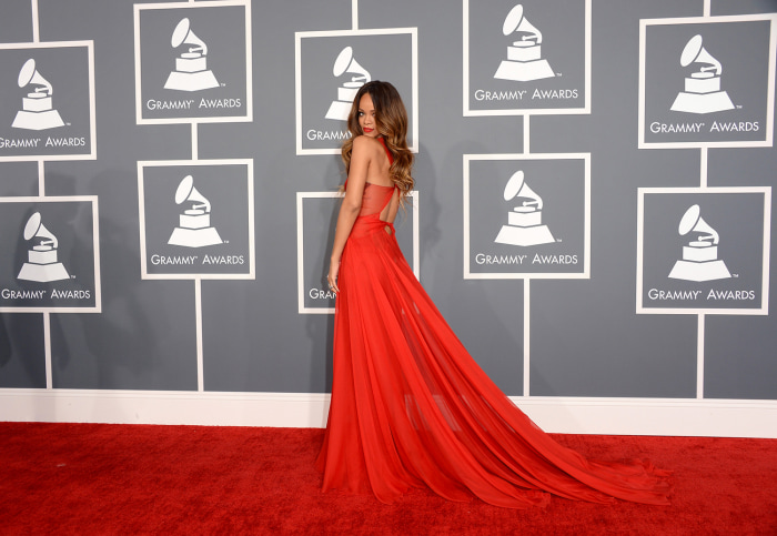 LOS ANGELES, CA - FEBRUARY 10:  Singer Rihanna arrives at the 55th Annual GRAMMY Awards at Staples Center on February 10, 2013 in Los Angeles, Califor...