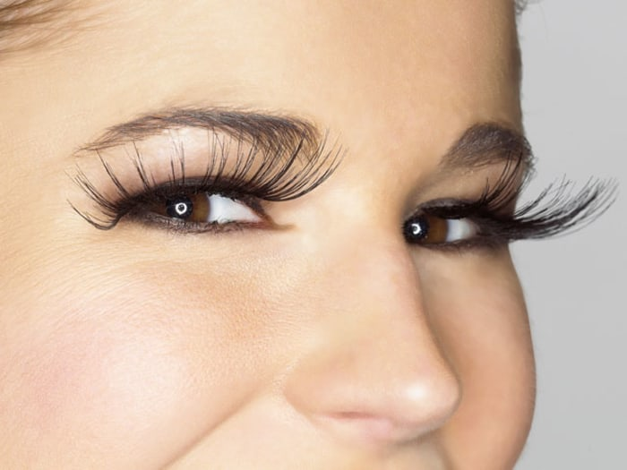 Eyelash Perm: Cost & Risks of Perms for Eye Lashes