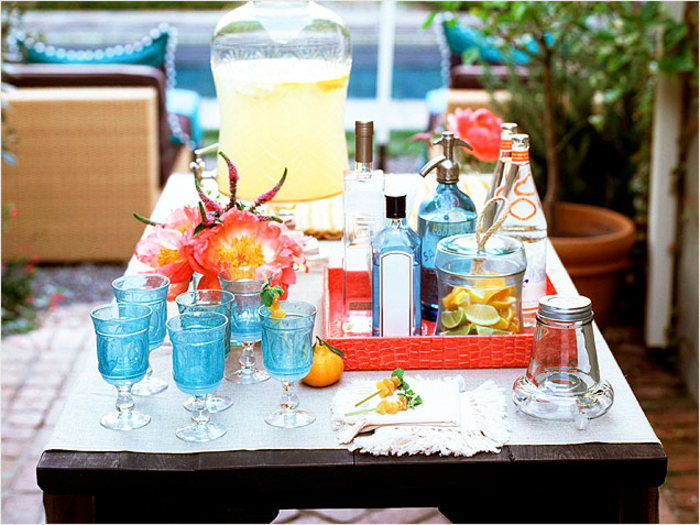 How to Set Up an Outdoor Bar