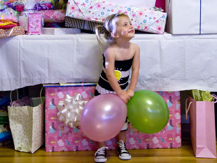 Awesome Birthday Gift Baskets : Kids birthday parties is a gift registry okay today