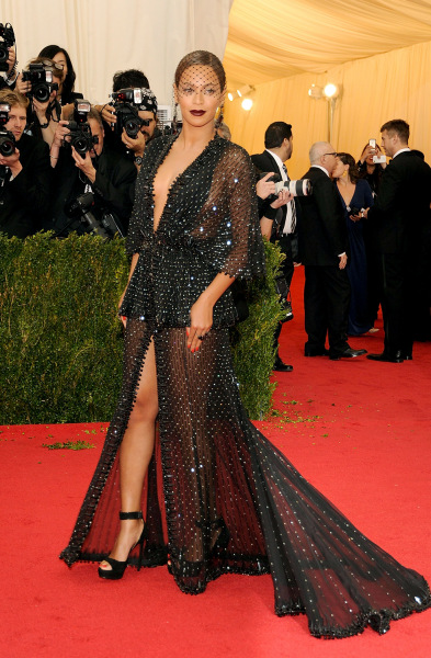 "NEW YORK, NY - MAY 05:  Beyonce attends the ""Charles James: Beyond Fashion"" Costume Institute Gala at the Metropolitan Museum of Art on May 5, 2014 in..."