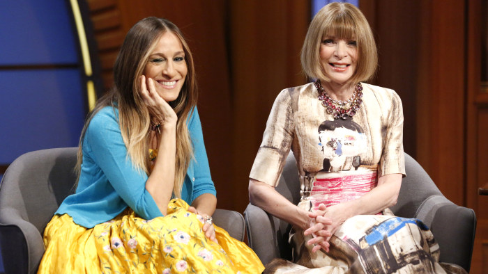 LATE NIGHT WITH SETH MEYERS -- Episode 0043 -- Pictured: (l-r) Actress Sarah Jessica Parker, Vogue editor-in-chief Anna Wintour during an interview on...