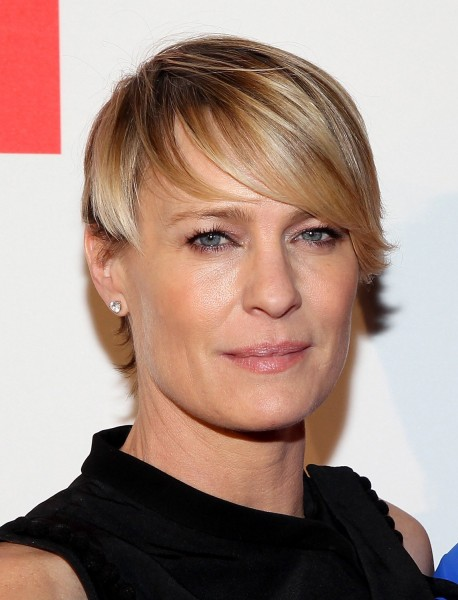 WASHINGTON, DC - MAY 02:  Actress Robin Wright  walks the red carpet at Google/Netflix White House Correspondent's Weekend Party at United States Inst...