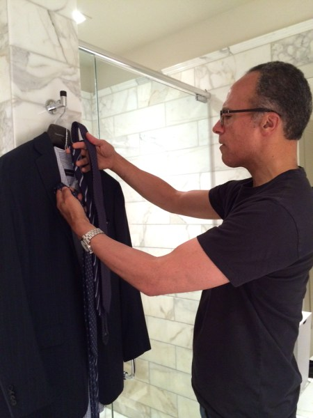 Lester Holt picks out his morning attire