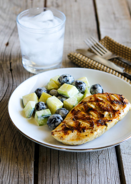 Grilled chicken with lemon, capers and oregano