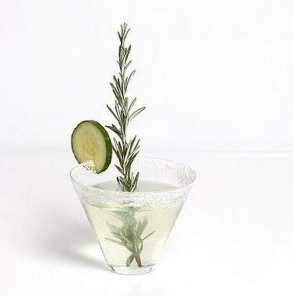 Cucumber sake cocktail