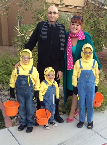 Halloween Family Costumes cool diy monsters inc family costume sully mike and boo 19 Of The Cutest Family Theme Costumes For Halloween Todaycom