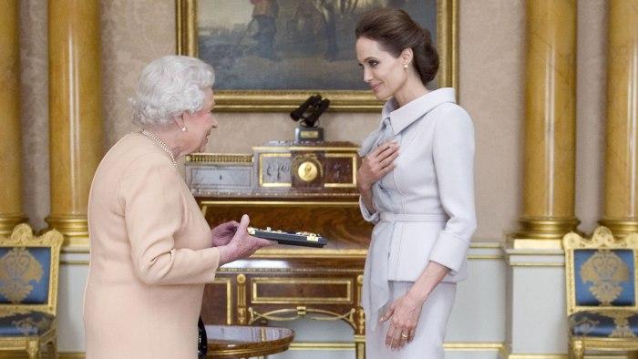 Jolie meets queen elizabeth ii at buckingham palace on friday