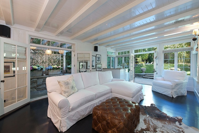 Jennifer Lawrence Buys Jessica Simpson 39 S Former Beverly