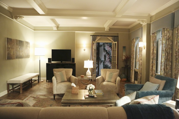How To Decorate Your Living Room Like Olivia Pope On