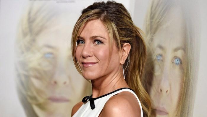 Jennifer Aniston Reveals Dyslexia Struggle I Thought