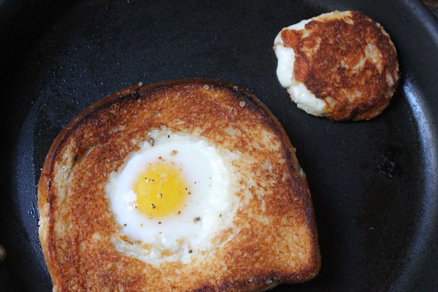 04 grilled cheese egg in a hole c2131a9b44e3679b8fafda17ab8ac9d9.today inline large2x