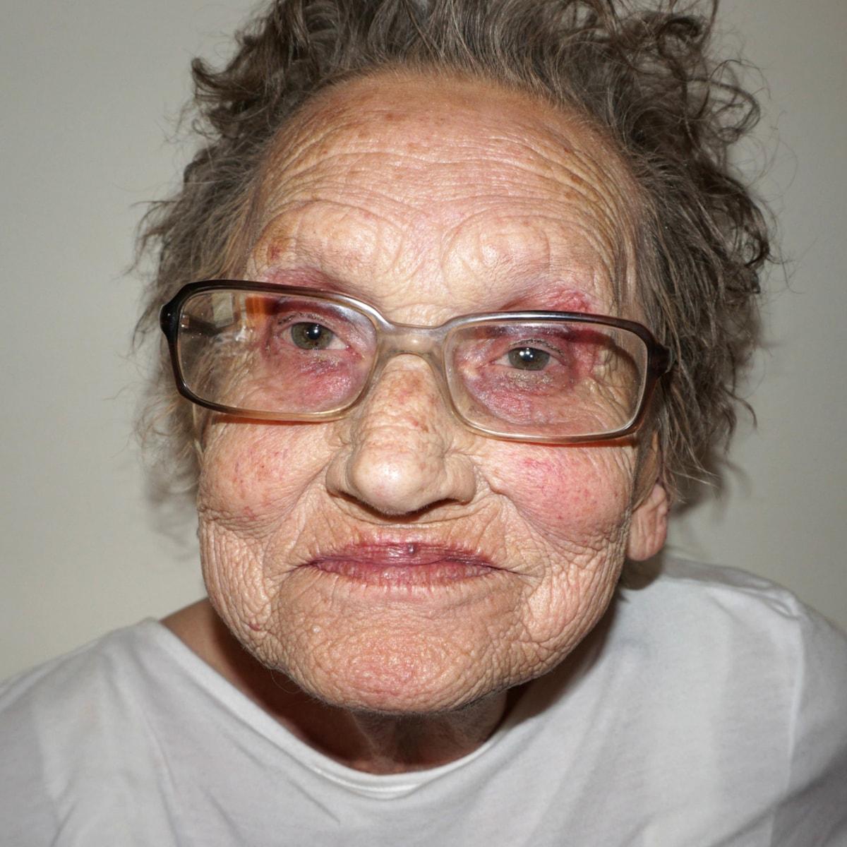 tea flego s grandma livia gets an incredible makeup transformation