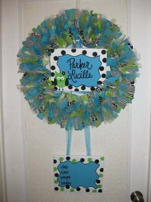 Birth wreaths latest in delivery room decor for Baby boy hospital door decoration