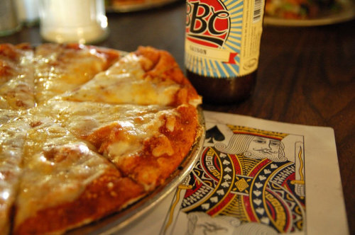 Bonnie and Clyde's pizza