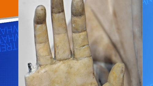 An American tourist accidentally broke off the finger of a statue on a recent trip to Italy.