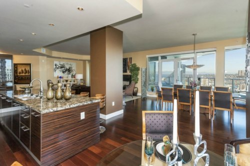 """Tim Lincecum is selling his condo in the building made famous by the best-selling """"Fifty Shades of Grey."""""""