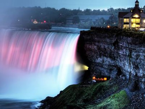 Niagara Falls will light up blue or pink, depending on the gender of the royal baby, once the child is born.