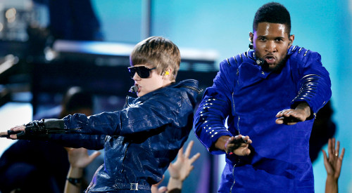 Justin Bieber and Usher at the 2011 Grammy Awards.