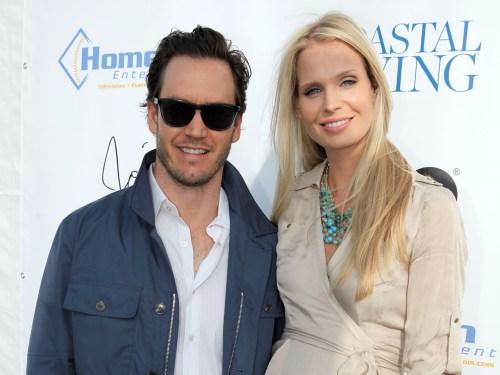 Mark-Paul Gosselaar and Catriona McGinn.