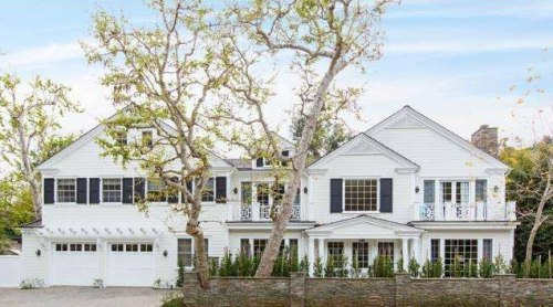 Sarah Michelle Gellar's new home in Brentwood has six bedrooms, a full playroom, gym and media room.