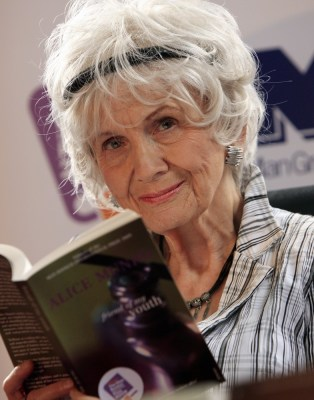 (FILES) A photo taken on June 25, 2009 in Dublin, Ireland shows Canadian author Alice Munro who has been awarded the 2013 Nobel Literature Prize, the ...