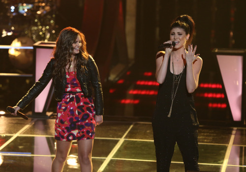 Image: Jacquie Lee and Briana Cuoco on The Voice