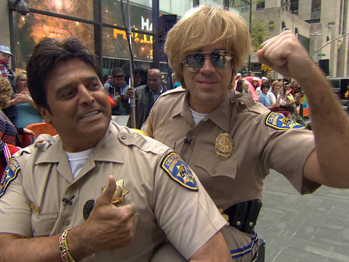 Carson Daly got on a bike with the actual Erik Estrada to head out on CHIPS patrol.
