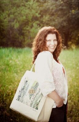 mom with bag