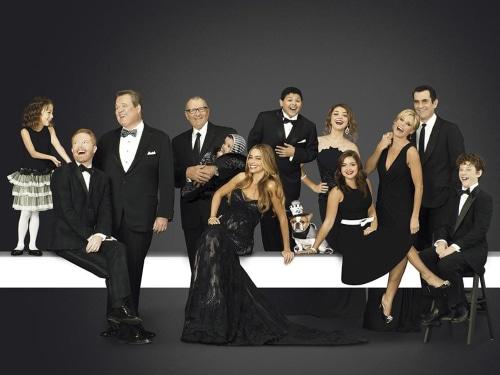 Image: Modern Family cast