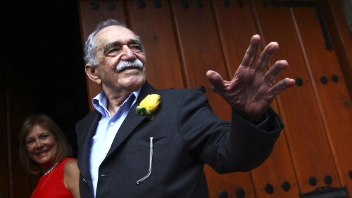 Gabriel Garcia Marquez greets journalists and neighbours on his birthday outside his house in Mexico City March 6, 2014. Garcia Marquez, the octogenar...