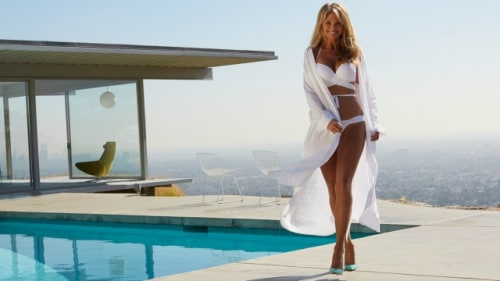 Supermodel Christie Brinkley also makes a surprise appearance in the video.