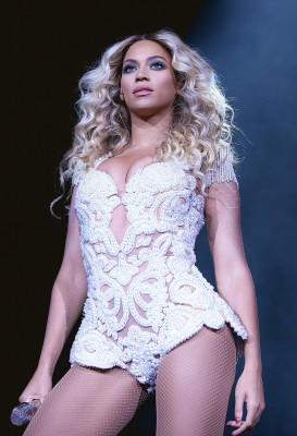 "IMAGE DISTRIBUTED FOR PARKWOOD ENTERTAINMENT - Beyonce performs onstage at her  ""Mrs. Carter Show World Tour 2013,"" on Monday, Dec. 9, 2013 at the Ame..."