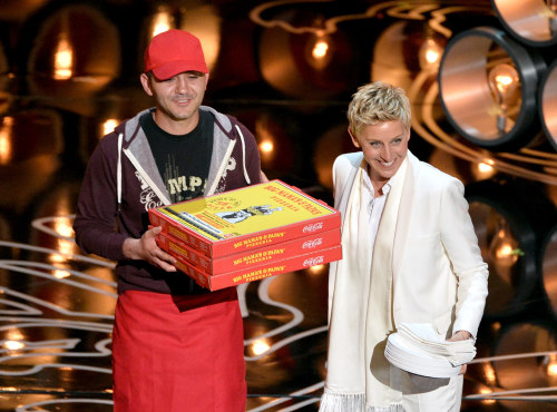Image: Ellen DeGeneres and pizza guy Edgar